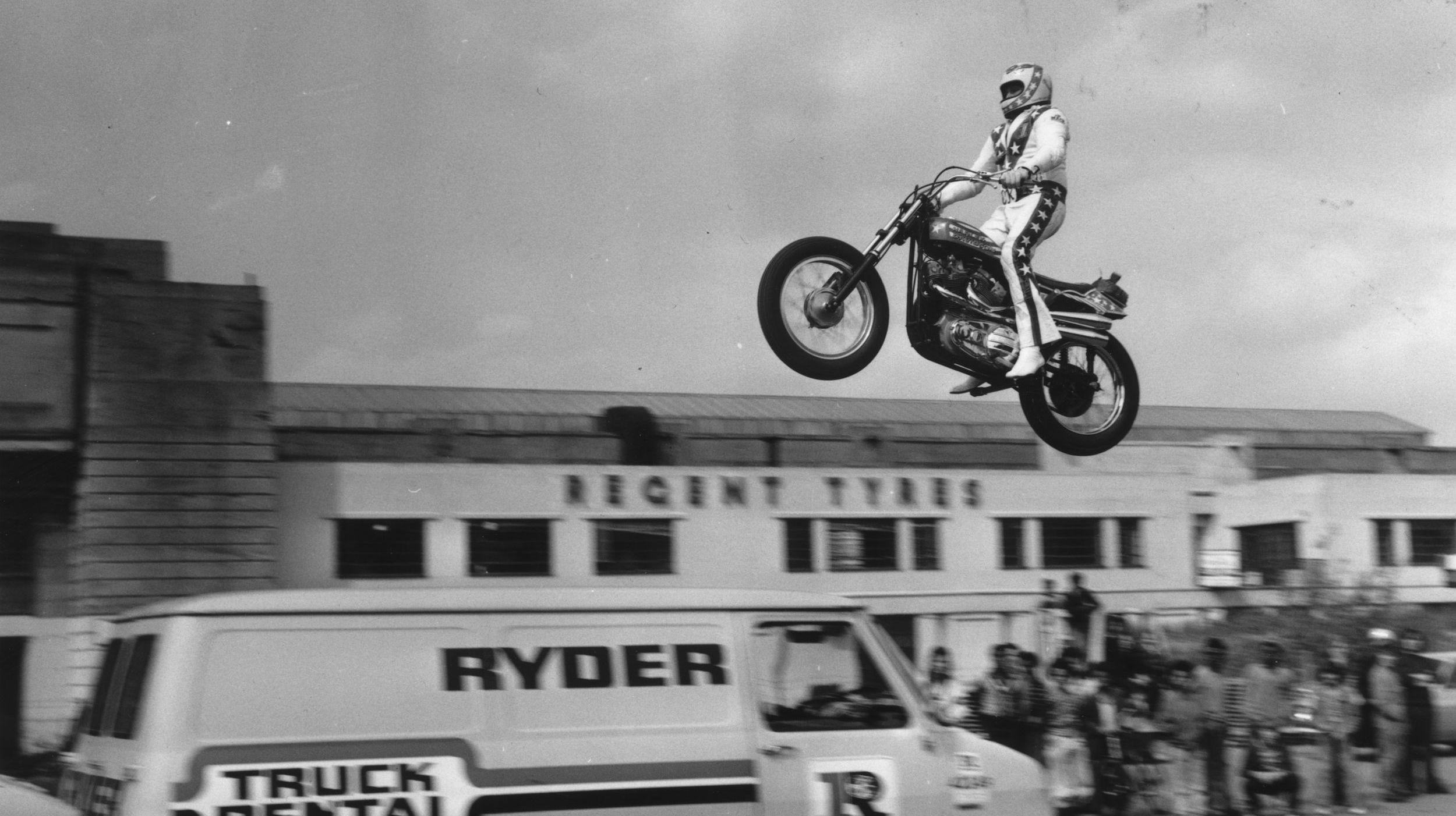 EVEL KNIEVEL TRACKER BENZIN MOTORCYCLES