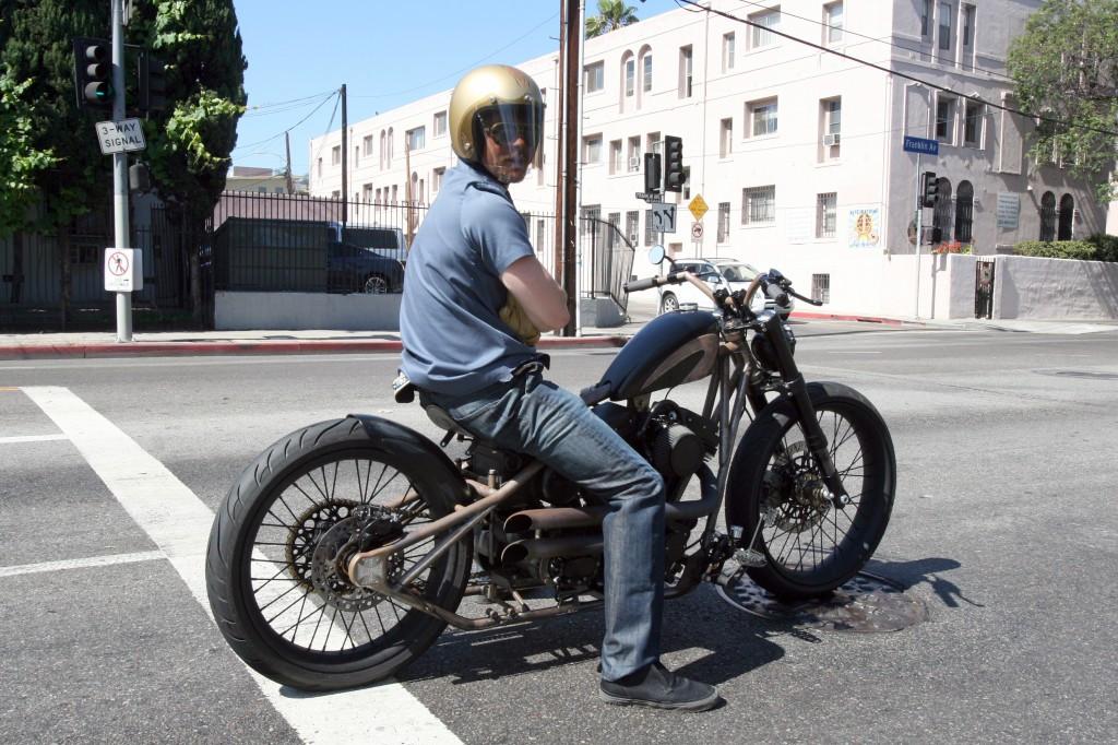 BOBBER BRAD PITT BENZIN MOTORCYCLES
